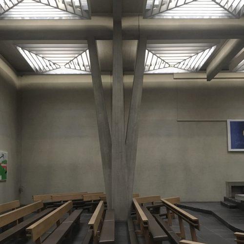 Kirche St. Peter und Paul, 1967, Allschwil, Innenbild. Architektur: Fritz Metzger © Esther Baur